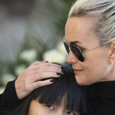 PHOTOS – Laeticia Hallyday, son vernis noir, un symbole pour Johnny
