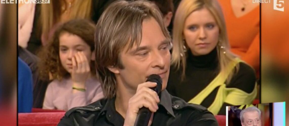 video quand david hallyday voquait la famille recompos e de johnny hallyday autour de. Black Bedroom Furniture Sets. Home Design Ideas