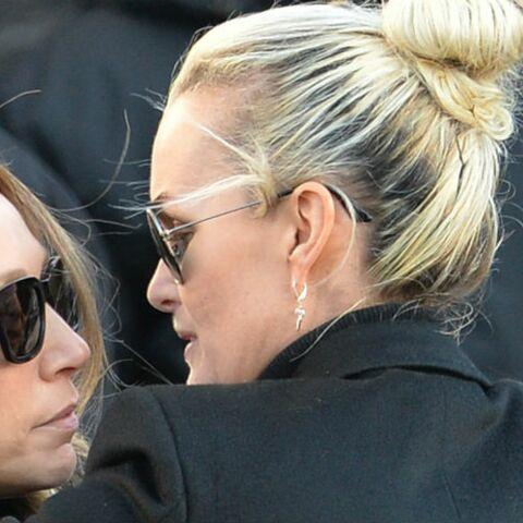 Obsèques de Johnny Hallyday: Laura Smet et Laeticia main dans la main, l'union sacrée