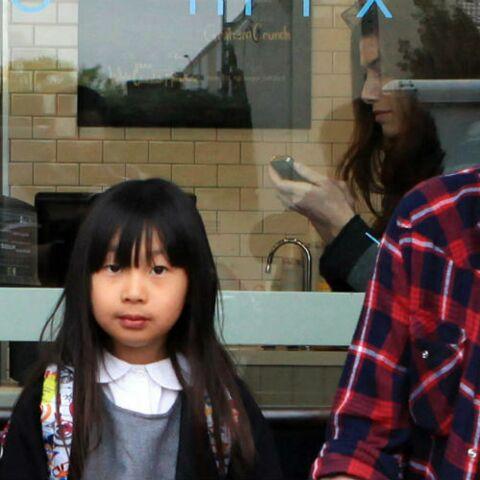 Pourquoi Johnny Hallyday a choisi d'exposer ses filles Jade et Joy dans les médias