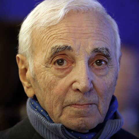 Charles Aznavour évoque son âge, les médicaments: ses confessions touchantes en concert