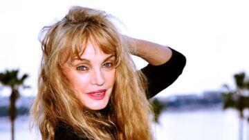 """Arielle Dombasle monte un """"girls band"""" avec trois autres chanteuses connues"""
