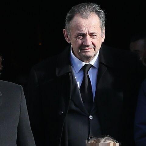 PHOTOS – Nicolas Sarkozy entouré de ses enfants Pierre, Jean et Giulia pour les obsèques de sa maman Andrée
