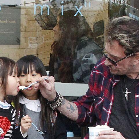 Daniel Angeli, photographe et proche de Johnny Hallyday, raconte l'émotion du rockeur le jour de l'adoption de Jade