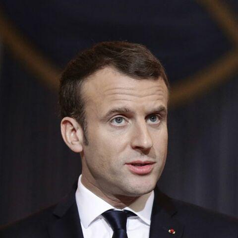 VIDEO –Quand Emmanuel Macron se fait maquiller tout en apprenant quelques mots de chinois