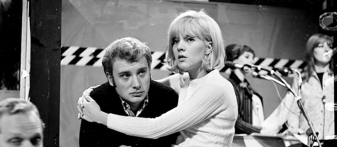 Le jour où Françoise Hardy a surpris Johnny Hallyday avec des jolies filles pendant que Sylvie Vartan se faisait soigner après son accident