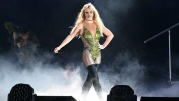 PHOTO – Britney Spears affiche une ligne parfaite et des abdos en béton!