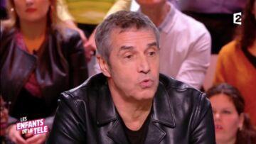 VIDEO – Julien Clerc: son souvenir plein de tendresse avec Johnny Hallyday