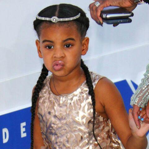 PHOTOS – Giulia Sarkozy, Harper Beckham, Blue-Ivy Carter… toutes les petites filles de stars adoptent la tresse