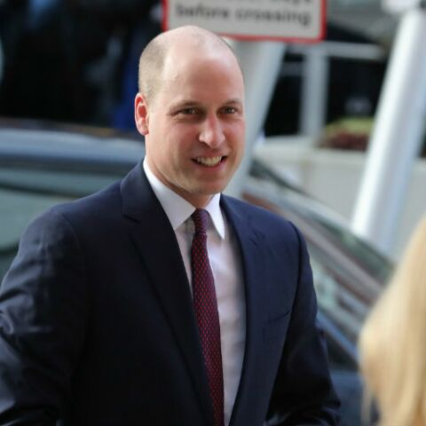 PHOTOS – Le prince William change de tête et se rase le crâne !