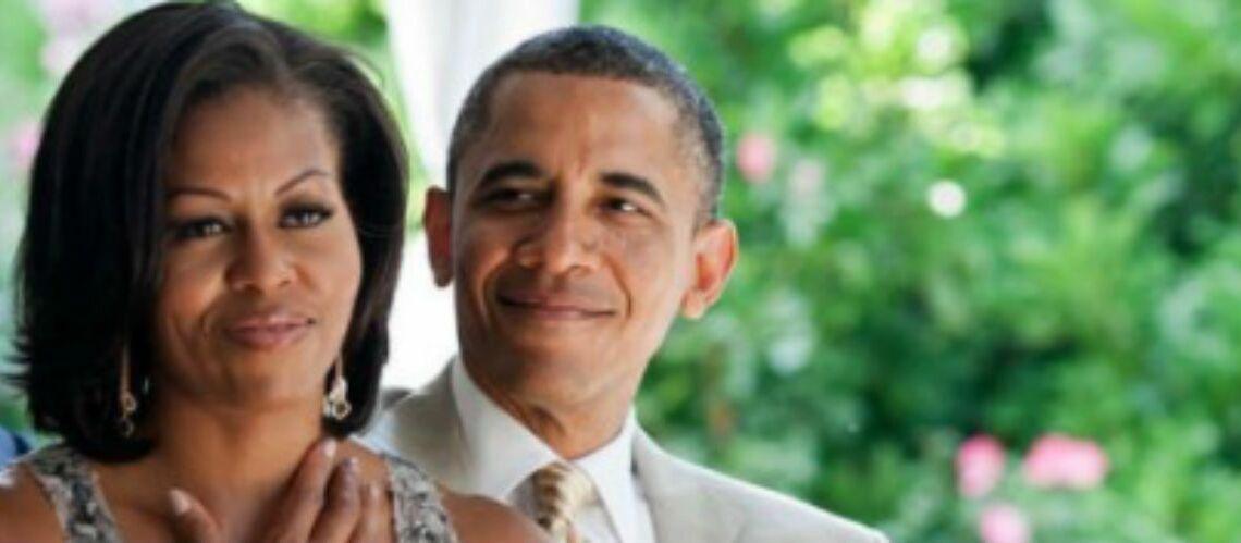 PHOTOS – Barack et Michelle Obama très amoureux, David Hallyday revient sur le devant de la scène, Liz Hurley sublime en maillot de bain… Hot, insolite ou drôle, la semaine des stars en images