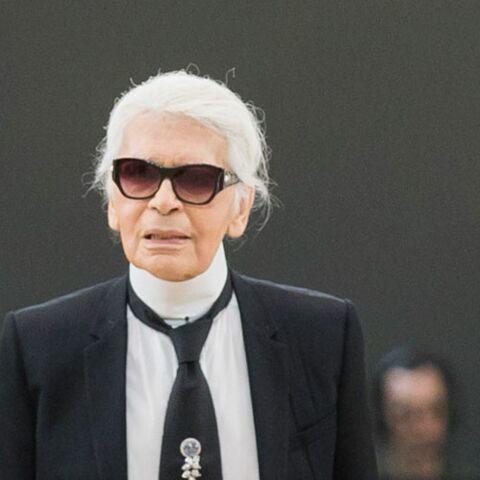 PHOTO – La barbe, le nouveau look de Karl Lagerfeld qui enflamme la Fashion Week