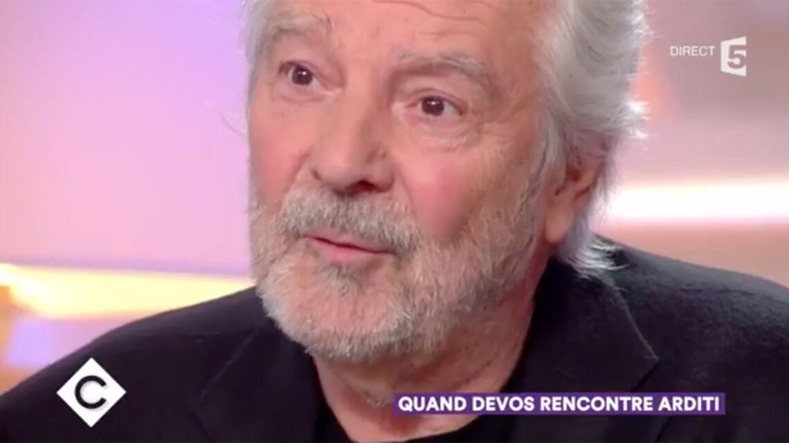 VIDÉO – Pierre Arditi prend la défense de Catherine Deneuve après sa tribune polémique
