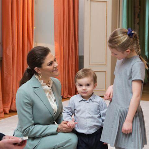 PHOTOS – Estelle de Suède craquante en Tartine et Chocolat pour sa rencontre avec Kate Middleton