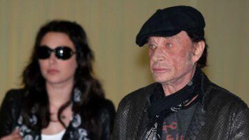 VIDEO –  Johnny Hallyday et Laura Smet devaient se cacher pour se voir: Laura n'a pas pu dire au revoir à son père