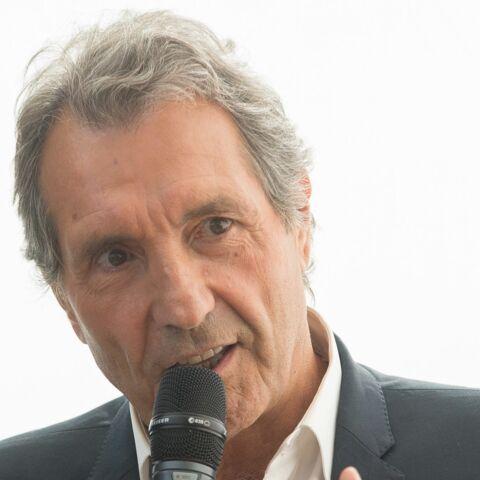 Le journaliste Jean-Jacques Bourdin ému par la déclaration d'une auditrice
