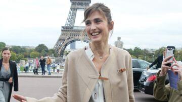 PHOTOS – Julie Gayet retourne en enfance pour la bonne cause