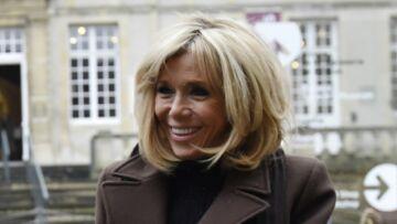 PHOTOS – Brigitte Macron, très chic pour une visite culturelle incognito à Bayeux