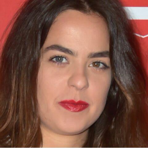 PHOTOS – Anouchka: la fille d'Alain Delon s'affiche en nuisette et met le feu à la Toile