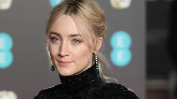 "Saoirse Ronan (Lady Bird): ""ma mère sera ma cavalière pour les Oscars"""