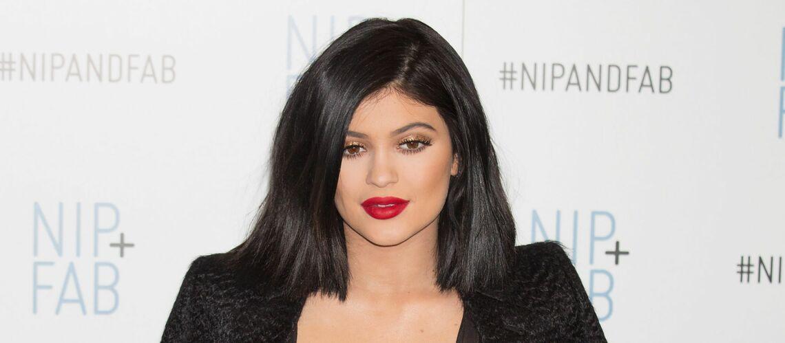 Kylie Jenner annonce le lancement d'une collection de maquillage… en l'honneur de sa fille