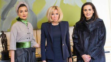 Brigitte Macron: pour une rencontre avec Sheikha Moza bint Nasser, elle remet le blazer à épaulettes, son indispensable mode