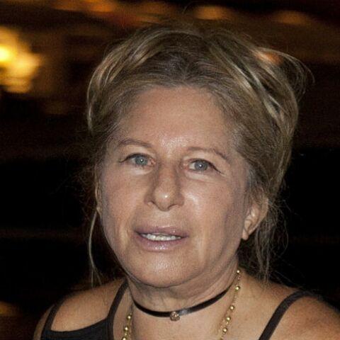 Barbra Streisand, inconsolable, a fait cloner sa petite chienne morte cet automne!