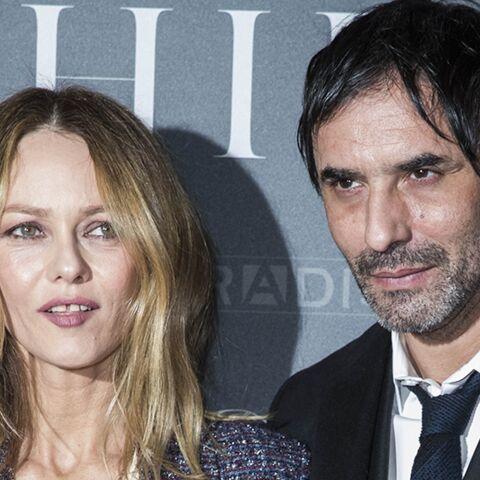 PHOTOS – Vanessa Paradis et Samuel Benchetrit amoureux et complices à Paris