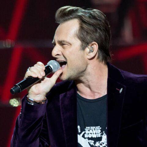 «Je t'aime»: David Hallyday, son hommage très émouvant à son père lors de son premier concert depuis la mort de Johnny