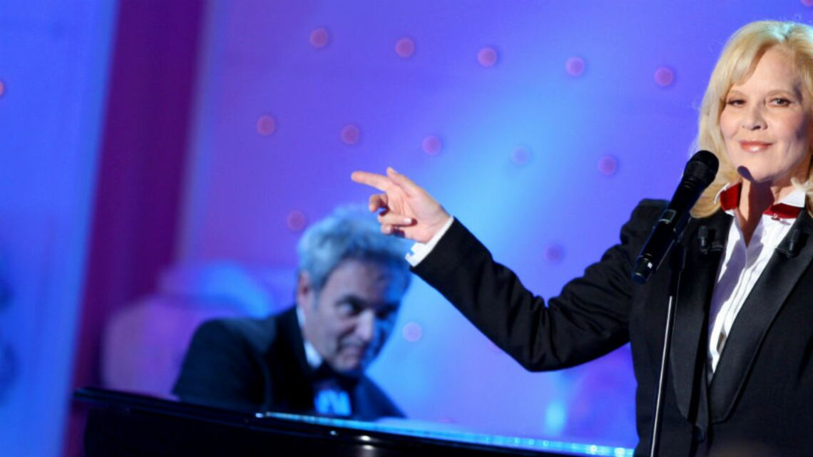 VIDEO – «L'amour que l'on a eu l'un pour l'autre ne s'éteindra jamais»: l'hommage bouleversant de Sylvie Vartan à Johnny Hallyday