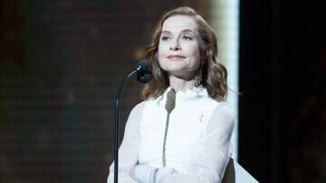 VIDEO – Le gros lapsus d'Isabelle Huppert: malaise sur le plateau de C à vous