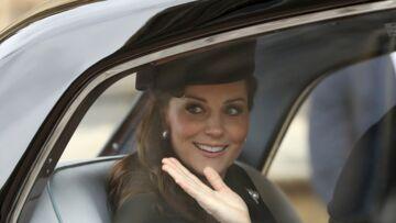 PHOTOS – Kate Middleton assiste à la messe de Pâques à quelques jours seulement de son accouchement, la duchesse en pleine forme