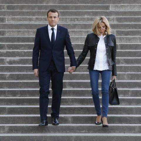 PHOTOS – Brigitte Macron en jeans et cuir: Main dans la main avec son mari pour un jour important