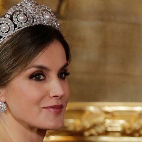 PHOTOS – Letizia d'Espagne sublime en robe perlée et tiare Cartier