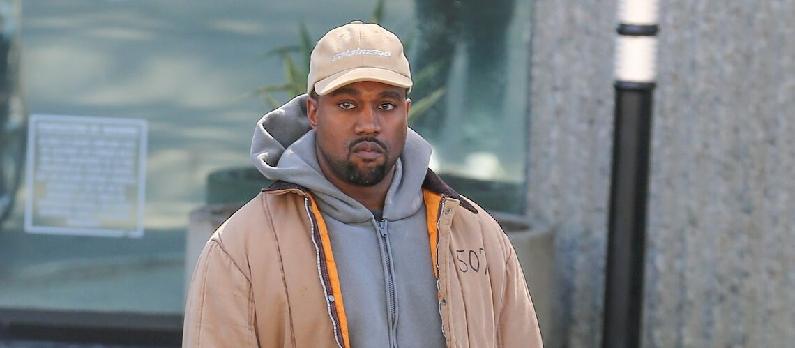 Kanye West, mari de Kim Kardashian et créateur de baskets, moqué sur les réseaux sociaux par la marque Quechua