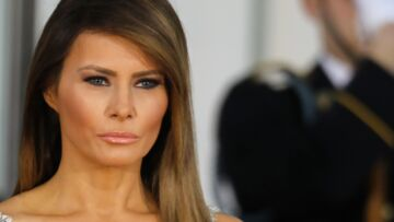Melania Trump refuse encore de prendre la main de son mari… l'image qui fait tache
