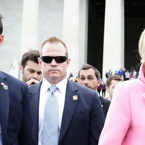 PHOTOS – Pourquoi le garde du corps de Brigitte Macron est devenu une star du web