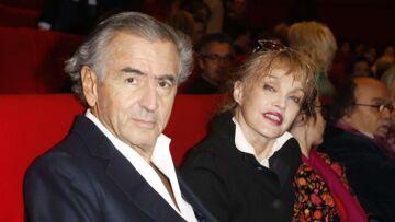 Bernard-Henri Levy et Arielle Dombasle: malaise sur le plateau de Thierry Ardisson pour leurs retrouvailles à la télé
