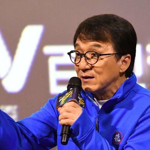 La fille de Jackie Chan SDF accuse son père de l'avoir mise à la porte parce qu'elle est homosexuelle
