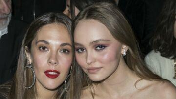 PHOTOS – Lily-Rose Depp complice avec sa tante Alysson Paradis au défilé Chanel Croisière