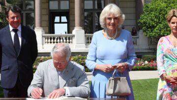 PHOTOS – Le prince Charles et Camilla reçus à Nice par une célèbre animatrice télé