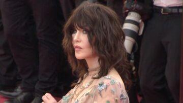 VIDÉO – Cannes 2018: Les Beauty Tips d'Isabelle Adjani sur le tapis rouge