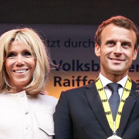 PHOTOS – Brigitte Macron un look inédit et surprenant pour son voyage en Allemagne