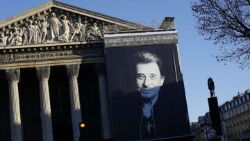 Messe hommage à Johnny Hallyday: la colère des fans qui n'ont pas de lieu pour se retrouver