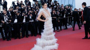 PHOTOS – Cannes 2018: Kendall Jenner, décolleté pigeonnant et toute en transparence sur le tapis rouge