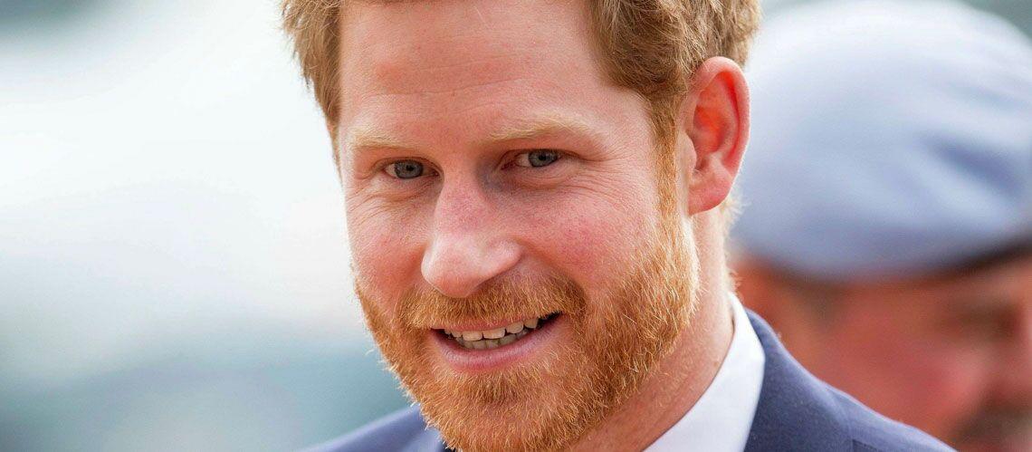 le prince harry devra t il raser sa barbe pour son mariage avec meghan markle gala. Black Bedroom Furniture Sets. Home Design Ideas