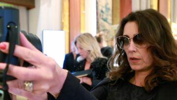 VIDEO –Quand Mademoiselle Agnès se prend en selfie