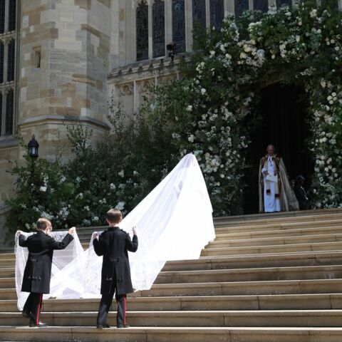Pourquoi Meghan Markle n'est pas passée loin d'un accident de traîne avec sa robe de mariée?