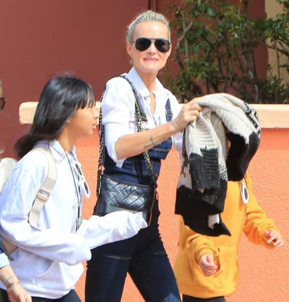 Laeticia Hallyday et ses deux filles passent la journée à Universal Studios le 30 mars dernier