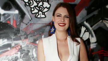 PHOTOS – Elodie Frégé, ultra sexy en robe décolletée, fait sensation lors d'une soirée parisienne